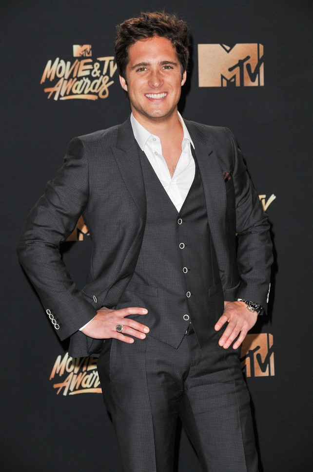 diego-boneta-en-los-mtv-movie-and-tv-awards-